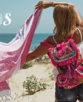 mochila de tela y abalorios